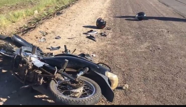 Madre e hija adolescente chocaron contra un caballo en ruta 3,la conductora de 35 años perdió la vida