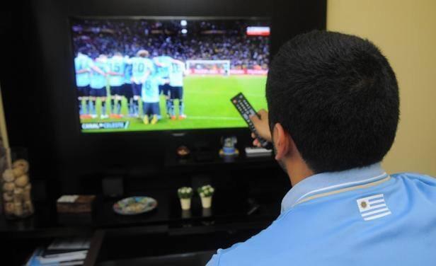 Los dos cables pasarán el juego de Uruguay por TV