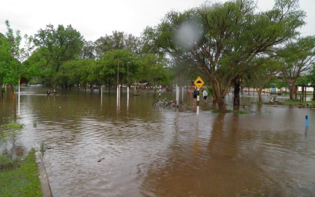 El río superará los 10 metros,serán más de 400 los desplazados