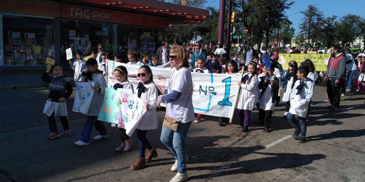 Se realizó en Artigas la caminata por la semana internacional de las personas sordas