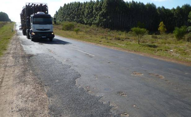 Camioneros artiguenses preocupados por la demora de la reparación de Ruta 30