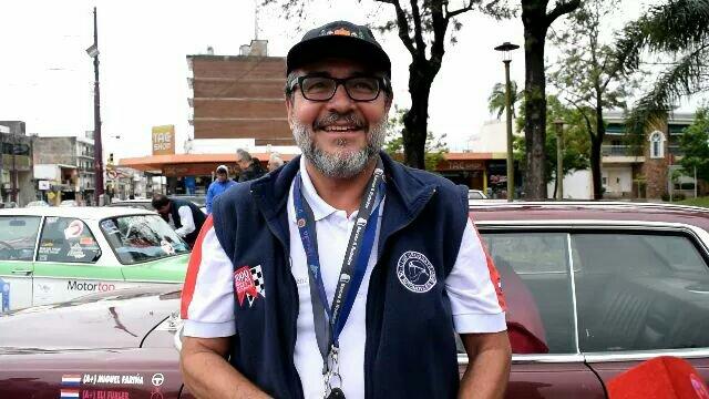 EL conocido cirujano plástico paraguayo Miguel Fariña visitó Artigas junto a las 1000 Millas