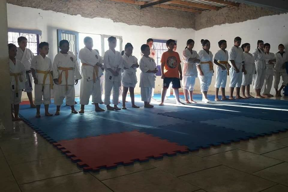Las escuelas de karate SHOTOKAN JUSTO GOMEZ realizaron el torneo Inter Dojo,el cambio de cinturones y la despedida de año