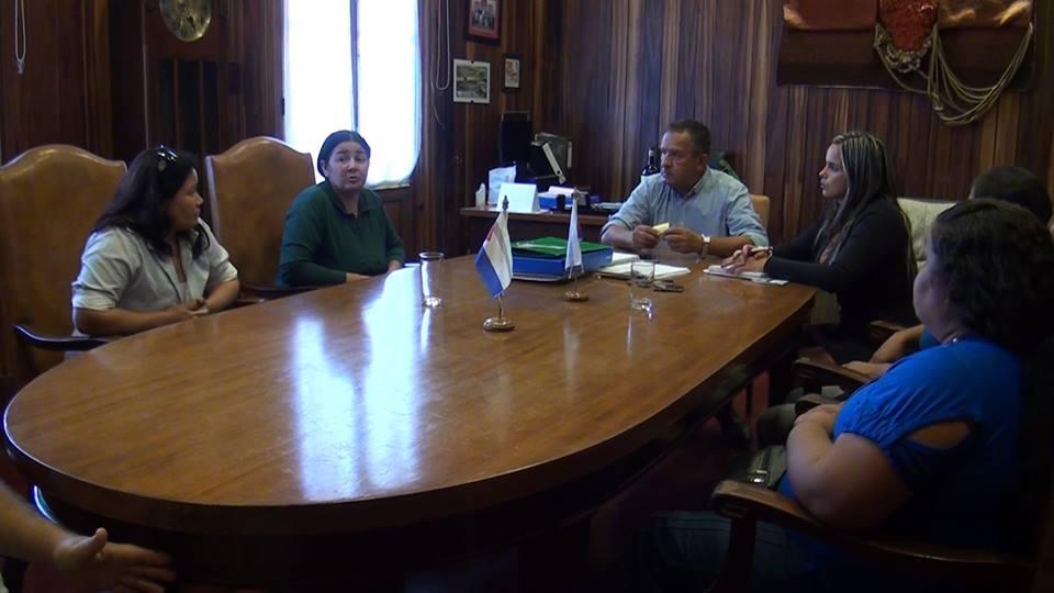 INTENDENCIA TRASLADARÁ A ESTUDIANTES DE GUAYUBIRA EN UN REMISE DE LA COMUNA