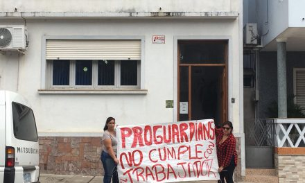 TRABAJADORAS DE LA EMPRESA PROGUARDIANS EN CONFLICTO