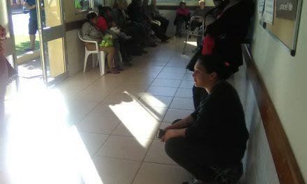 """INDIGNACIÓN EN USUARIOS DEL HOSPITAL POR DEMORAS EN """"EMERGENCIA"""""""