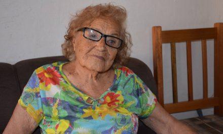 ABUELA DE 104 AÑOS SALVÓ A SU NIETA DE BRUTAL ATAQUE DE SU PAREJA A CHUCHILLAZOS