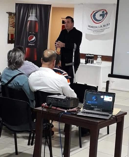 ALEXIS VIERA REALIZÓ UNA CONFERENCIA MOTIVACIONAL Y PRESENTÓ SU LIBRO EN ARTIGAS