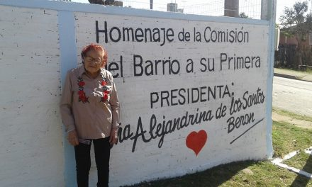 ALEJANDRINA DE LOS SANTOS DE 104 AÑOS FUÉ HOMENAJEADA POR LOS VECINOS DE CERRO EJIDO