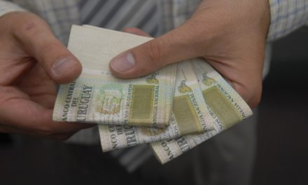 EL SALARIO MÍNIMO AUMENTÓ DESDE EL 1 DE ENERO A $ 16.300.