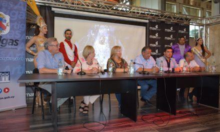 SE PRESENTÓ EL CARNAVAL DE ARTIGAS EN LA CAPITAL DEL PAÍS