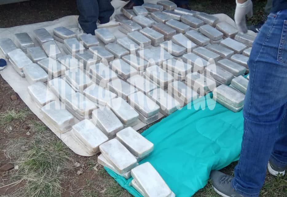 INCAUTACIÓN DE DROGA: 206 KILOS DE PASTA BASE, 4 DETENIDOS  Y 2 VEHÍCULOS INCAUTADOS .