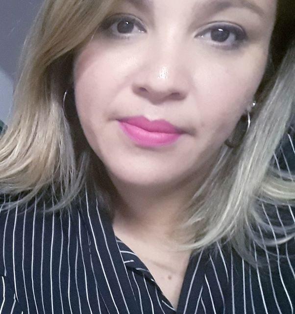 CONGOJA Y DOLOR:  LA MAESTRA ANDREA SOUZA TENIA 37 AÑOS Y FALLECIÓ DE UN PARO CARDIO RESPIRATORIO REPENTINO.