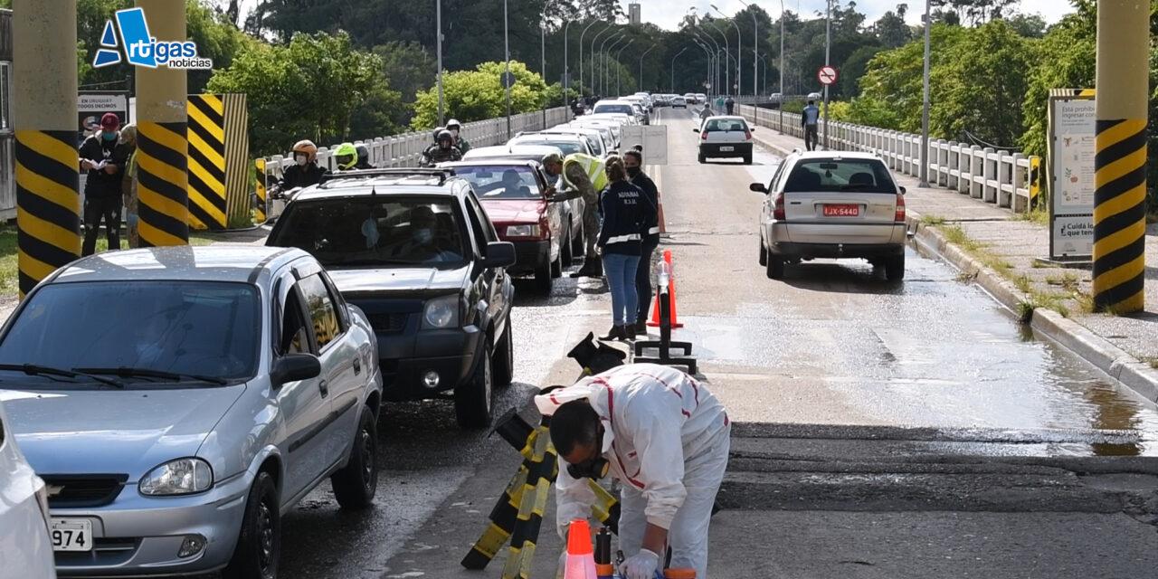 IMPORTANTES FILAS EN EL PUENTE INTERNACIONAL DE LA CONCORDIA DURANTE ESTE MARTES.
