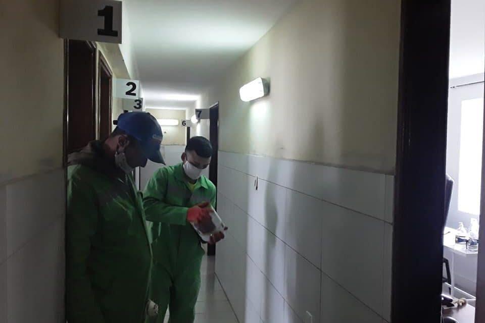INTENDENCIA, PRIVADOS DE LIBERTAD, BARRACAS DEL MEDIO Y PARTICULARES COLABORAN CON LA REMODELACIÓN DE LAS POLICLINICAS DEL HOSPITAL LOCAL.