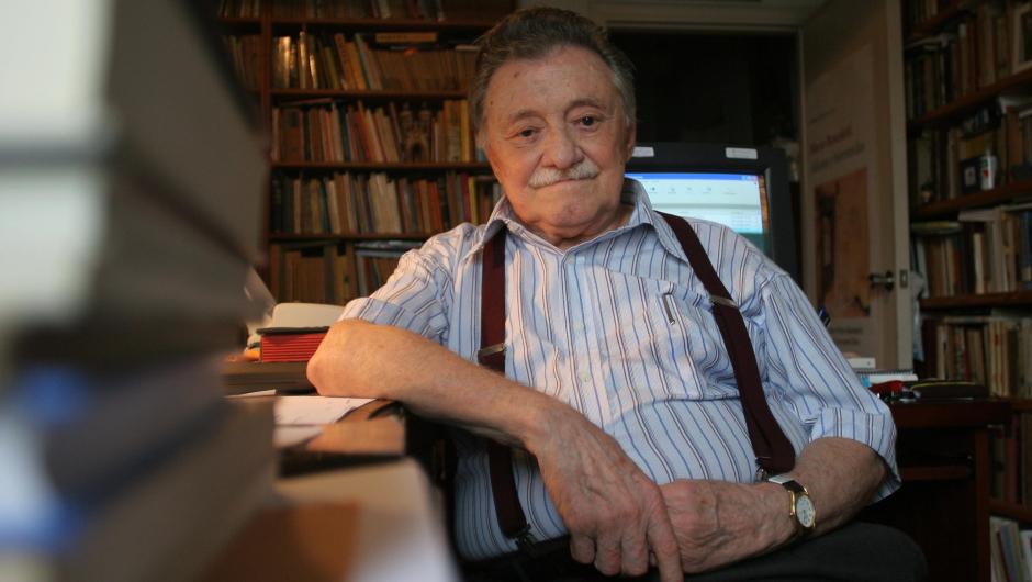 «SI HABITO EN TU MEMORIA NO ESTARÉ SOLO» Se cumplen 100 años del nacimiento de Mario Benedetti