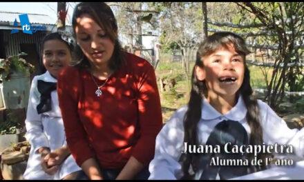 NIÑA DE 6 AÑOS RECORRE MÁS DE 25 KILÓMETROS EN BOTE Y A CABALLO PARA LLEGAR A LA ESCUELA.