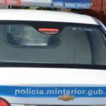AUTOMOVILISTA EMBISTIÓ A UN POLICÍA Y SE FUGÓ A ALTA VELOCIDAD CHOCANDO EN EL TRAYECTO A VARIOS VEHÍCULOS.