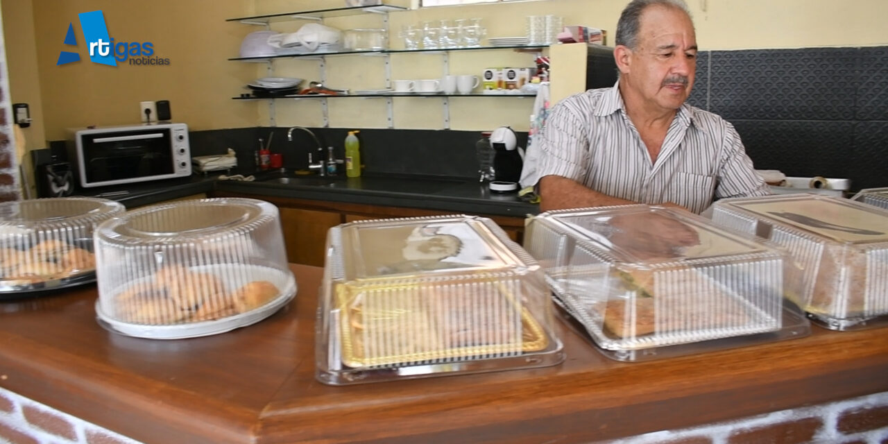 27 AÑOS VENDIENDO EN LA CALLE. «CACHITO» PERDIÓ TODO Y GRACIAS A SUS CLIENTES SALIÓ ADELANTE.