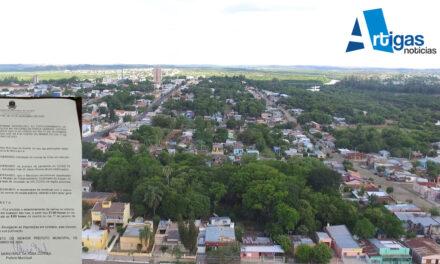 DECRETO DEL PREFEITO DE QUARAÍ PROHÍBE ESTACIONAR EN PLAZA OSORIO EL 31 DE DICIEMBRE.