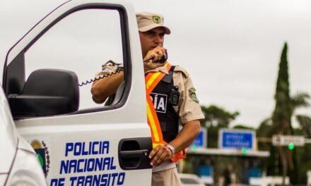 POLICIA CAMINERA CONTROLA QUE VEHÍCULOS CON CHAPA BRASILEÑA NO SALGAN DE LOS DEPARTAMENTOS FRONTERIZOS.