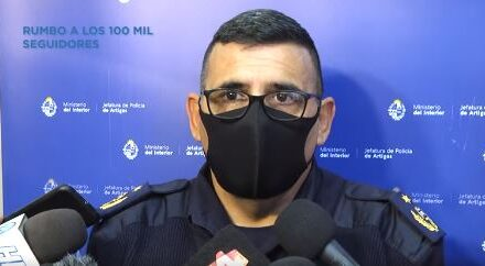 HOMBRE SE DESACATÓ DURANTE UNA DETENCIÓN Y LE ARREBATÓ LA ESCOPETA A LOS EFECTIVOS POLICIALES DISPARANDO CONTRA LA COMISARIA.